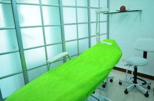 Vasektomie se provádí ambulantně a trvá přibližně 30 minut